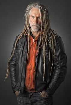 Dreads n Beards, yes pls Dreadlocks Men, Long White Hair, Beautiful Dreadlocks, Men Hair Color, Hair Locks, Natural Hair Styles, Long Hair Styles, Dreadlock Hairstyles, Strong Hair