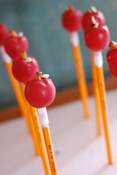 Sweet Cheeks Tasty Treats: Pencil Pops!