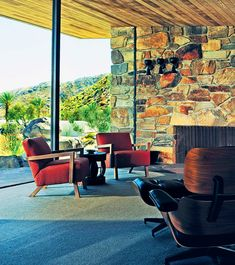 While away a weekend at the epicenter of modernism, where you can see—and stay in—some of the West's most iconic midcentury designs Modern Interior Design, Interior And Exterior, Palm Springs Style, Ranch, Googie, Mid Century House, Mid Century Modern Design, Mid Century Furniture, Destinations