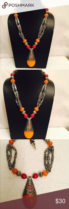Tibetan Dzi Amber yellow rasin Amullet pendent. A beautifully designed  bone dzi yellow Amber resin necklace Tibetan jewellery, brings an art of elegance. The perfectness and attractiveness of its natural quality adds to rare beauty, making ideal for all ages himalayan necklace Jewelry Necklaces