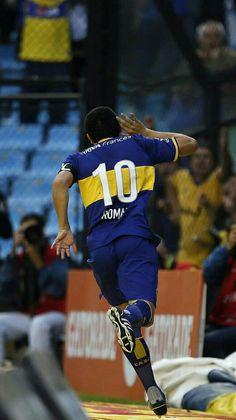 Juan Román Riquelme Best Football Players, Football Wallpaper, Leo, Roman, Soccer, Sports, Soccer Pics, Hs Sports, Football