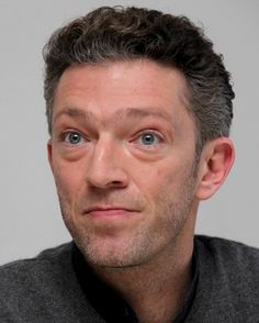 Ritratti in Celluloide - Attore Vincent Cassel (Foto 1 - Foto film 1 ) Vincent Cassel, True Detective, Character Portraits, Stars, Face, People, Model, Stripes, Artists