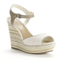 Lauren Conrad ~ love the classic style