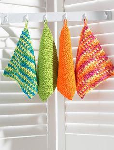 Dishcloth in Bernat Handicrafter Cotton Solids. Entdecken Sie noch mehr Anleitungen von Bernat auf LoveKnitting. Wir bieten eine riesige Auswahl an Garnen, Nadeln, Büchern und Anleitungen von all Ihren Lieblingsmarken an.