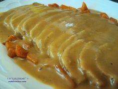 Lomo de cerdo a la cerveza (Olla rápida) - Graceful Tutorial and Ideas Pork Recipes, Mexican Food Recipes, Healthy Recipes, Kitchen Recipes, Cooking Recipes, Guisado, Salty Foods, Carne Asada, Pork Loin