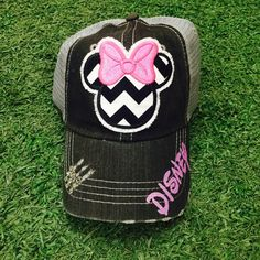 f64d9cdd90884 Minnie Mouse Disneyland Disney World Baseball Bling Ladies Womens Trucker  Hat