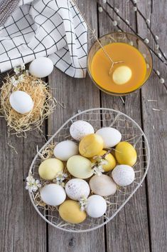 This domain may be for sale! About Easter, Diy Easter Decorations, Easter Holidays, Egg Decorating, Happy Easter, Spring Time, Eggs, Crafty, Inspiration
