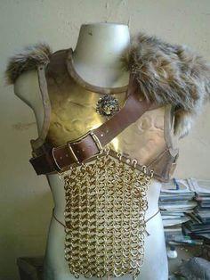 Armadura  (peitoral) couro e metal e ombreira em couro