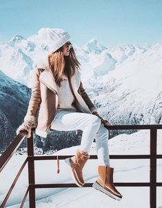 Latest Winter Outfits Ideas for Women Casual and Sexy winter outfits for work business casual winter outfits cold snow c Casual Winter Outfits, Winter Mode Outfits, Winter Fashion Outfits, Autumn Winter Fashion, Winter Snow Outfits, Ski Outfits, Winter Fashion For Teen Girls, Outfit Winter, Snow Fashion