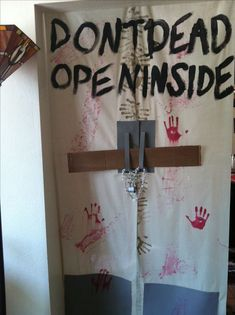 Looks like The Walking Dead. The best, easiest, and most creative Halloween Party Decorations using paper. Great idea for keeping guests out of bedrooms during a Halloween party. Halloween Zombie, Trendy Halloween, Outdoor Halloween, Halloween Halloween, Asylum Halloween, Halloween Costumes, Halloween Office, Halloween Couples, Halloween Recipe