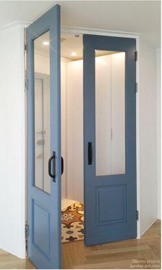 34 Ideas main entrance door decoration for 2019 Modern Interior, Home Interior Design, Interior Decorating, Main Entrance Door, Sliding Door Window Treatments, Front Door Makeover, Exterior Front Doors, Cool Doors, Glass Door Knobs