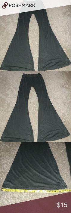 Papaya Green Flare Pants Papaya Green Flare Pants Waist-approx 11 in Flare- approx 13 in Have any offers?:) Papaya Pants Boot Cut & Flare