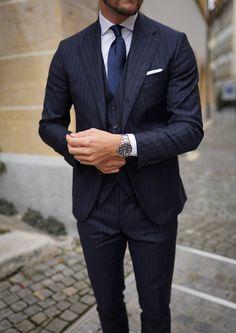 Navy Blue Pinstripe Suit, Navy Suits, Suit Fashion, Mens Fashion, Expensive Suits, Suit Shirts, Gentleman Style, Look Cool, Best Wear