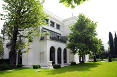 1STDIBS.COM Real Estate - Paris, Neuilly Sur Seine, FR - Paris Ouest SIR $92,000,00 Historic Mansion