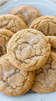 These soft and chewy maple snickerdoodles are so easy to make! The pure maple syrup flavor adds a sweet twist on the classic snickerdoodle recipe! These are sure to be a total crowd pleaser! Baking Recipes, Cookie Recipes, Dessert Recipes, Dessert Ideas, Drink Recipes, Healthy Recipes, Maple Syrup Cookies, Maple Syrup Recipes, Snickerdoodle Recipe