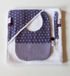 Etsy - Shop for handmade, vintage, custom, and unique gifts for everyone Sewing Hacks, Sewing Tutorials, Sewing Patterns, Homemade Baby Gifts, Birth Gift, Dummy Clips, Baby Kit, Sewing Projects For Kids, April Showers