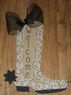 Welcome cowboy boot western week Cowboy Theme, Western Theme, Western Decor, Western Crafts, Burlap Projects, Burlap Crafts, Wood Crafts, Wild West Theme, Burlap Door Hangers