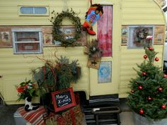 Girl Camping: Christmas With Your Vintage Trailer