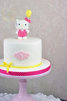 Birthday cake Hello Kitty ✅ Best 79 ideas of Birthday cake Hello Kitty 2019 with our website HD Recipes. Jungle Birthday Cakes, Hello Kitty Birthday Cake, Hello Kitty Cake, Cake Birthday, Love Cake Topper, Girl Cakes, Cute Cakes, Fondant Cakes, Party Cakes