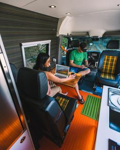 Digital nomad ideas for getting the best cell phone and internet coverage on the road. Use these tips and tricks from #vanlife and RV experts to work on the road. Tips tricks and hacks for great coverage. Use these hacks when you plan your own DIY campervan conversion.