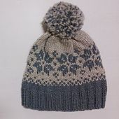 Ravelry: Duskelue/Pompomhat pattern by Tina Hauglund a free pattern