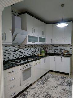 Moduler Kitchen, Kitchen Room Design, Modern Kitchen Cabinets, Kitchen Units, Kitchen Cabinet Design, Modern Kitchen Design, Home Decor Kitchen, Interior Design Kitchen, Custom Kitchens