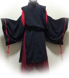 ■針も糸も使わない衣装作り! 神主や陰陽師コスの定番衣装「狩衣」。 平安時代の日本貴族の普段着として用いられたのが始まりとされています。 今回、針も糸も使わずに作れる型紙を作ったので、作り方と併せて公開。 (あくまでコスプレ用です)