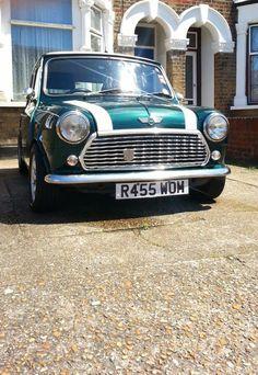 mini Classic Mini, Classic Cars, Mini Countryman, Mini Stuff, Mini Coopers, Mini Mini, Jaguar, Vintage Cars, Minis