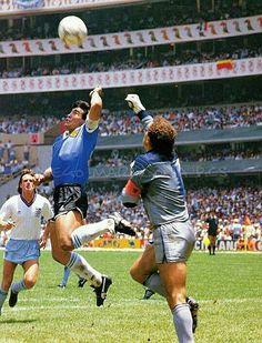 The Hand of a Cheat - Diego Maradona God Of Football, Football Images, World Football, Soccer World, Nike Football, Football Soccer, Football Pictures, Sports Photos, History Of Soccer
