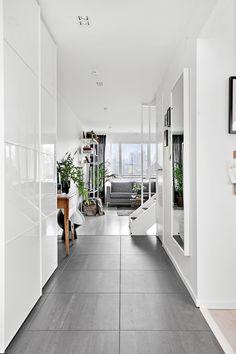 Trivsamt boende i lugnt och barnvänligt område. Ett boende med tilltalande planlösning som är flexibel att skapa fler sovrum och öppen modern planlösning på n...
