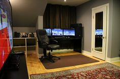 Top 15 Cool Computer Room Arrangements : Minimalist Cool Computer Room Space with Black SpaceSaving Computer Table and Arm Chair