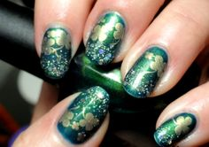 green nails with crystals and clover