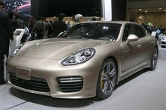 2014 Porsche Panamera Turbo S Executive Front Three Quarters