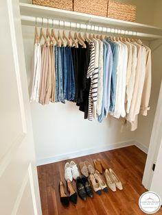 Wardrobe Closet, Girls Wardrobe, Work Wardrobe, French Minimalist Wardrobe, Minimalist Closet, French Capsule Wardrobe, Wardrobe Basics, Fashion Capsule, Capsule Outfits