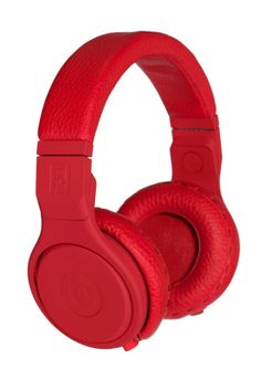 Fendi Collaborates with Beats by Dre. ADORE.