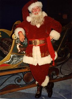 Tim Allen Santa Clause Suit  (love the detail, the belt loops, the sashy thing  A working santa, I like this!) T
