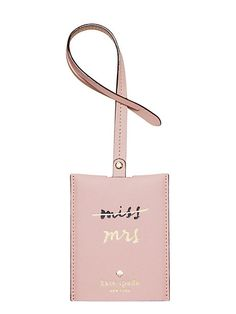 When you jet off for your honeymoon, you'll want an updated luggage tag! (We… When you jet off for your honeymoon, you'll want an updated luggage tag! (Wedding belles luggage tag – Kate Spade New York) Honeymoon Essentials, Honeymoon Outfits, Post Wedding, Dream Wedding, Wedding Day, Wedding Things, Wedding Bells, Wedding Stuff, Leather Luggage Tags