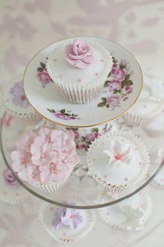 Ƹ̴Ӂ̴Ʒ Sweet Ƹ̴Ӂ̴Ʒ Little Cakes ~