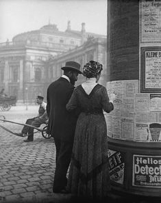 Extraordinary Candid Vintage Photographs That Capture Street Scenes of Vienna, Austria From the and The Good Old Days, Popular Culture, Vintage Photographs, Vintage Postcards, Black And White Photography, Old Photos, Austria, Street Photography, The Past