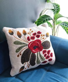 Image may contain: indoor Embroidery Art, Machine Embroidery, Diy Bed Headboard, Boho Cushions, Pillows, Knot Pillow, Punch Needle Patterns, Rug Hooking Patterns, Craft Punches