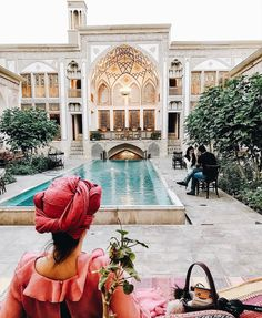 King Ylani Hause (Hotel Saraye Raheb) in Kashan belonging to the age of the Qajars and Pahlavi _ The house is registered in 2005 with registration number 1297 as one of the national monuments record. ❤️|| Photo by Stella Zhang || Location: Iran_ Kashan || #MemareMan #Welcome_to_Iran #Architecture #Architect #Iranian_Architect #Design #Designer #Iran_Traveling #Iran_tourism #Iran #tourism #معمارمن #ایران #ایرانگردی
