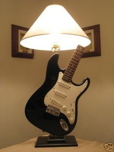 Fender Stratocaster Style Guitar Lamp Blackie Clapton - Guitar museum