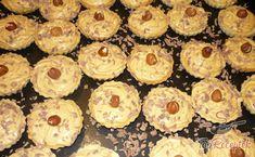 Karamellás kosárkák | TopReceptek.hu Best Christmas Cookies, Hungarian Recipes, Mini Cheesecakes, Beautiful Christmas, Cookie Recipes, Sushi, Muffin, Homemade, Breakfast
