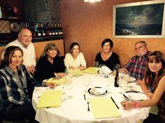 ¡Enhorabuena a la ganadara! Reunión de los integrantes del jurado en Quintes.