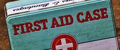Was gehört in eine Stallapotheke?  Im Notfall ist es unbedingt notwendig, dass entsprechendes Material für Wundversorgung, Verbände, Bestimmen der PAT-Werte etc. sofort zur Verfügung steht. Was genau in die Stallapotheke gehört, ist hier aufgelistet.