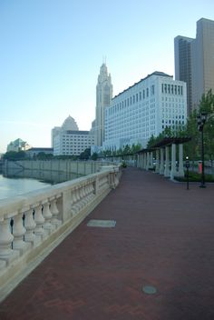 Bicentennial Park & Scioto Mile in Downtown Columbus, OH Bicentennial Park, Columbus Ohio, New York Skyline, Wedding Photos, Environment, Sidewalk, Cityscapes, Landscape, Architecture