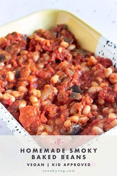 These smoky baked beans recipe are packed full of flavour. They are hearty and filling and make the perfect vegetarian or vegan topping for a baked potato or a side for your weekend brunch. They're also excellent on toast. #bakedbeans #homemadebakedbeans #vegan #vegetarian #beans Baked Beans Vegan, Homemade Baked Beans, Vegetarian Dinners, Vegan Vegetarian, Vegetarian Recipes, Hidden Vegetable Recipes, Vegetable Side Dishes, Bean Recipes, Baby Food Recipes