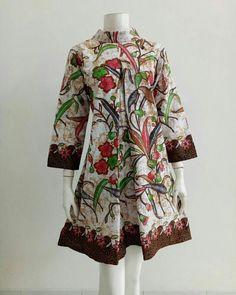 Model Dress Batik, Batik Dress, Frock Fashion, Batik Fashion, Pakistani Fashion Casual, Pakistani Dress Design, African Fashion Dresses, African Dress, Blouse Batik