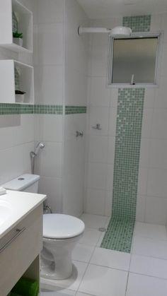 Banheiro com pastilha adesiva