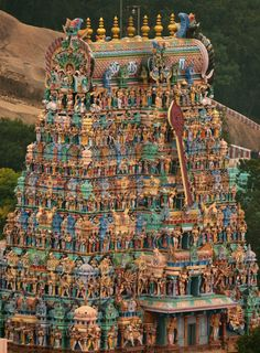 Temple of South India are most sacred and powerful. The architecture of these temples are impeccable and fabulous. South India Tourism, Lord Of War, Lord Murugan, Cultural Capital, Indian Architecture, Madurai, Durga Goddess, Real Beauty, Temples